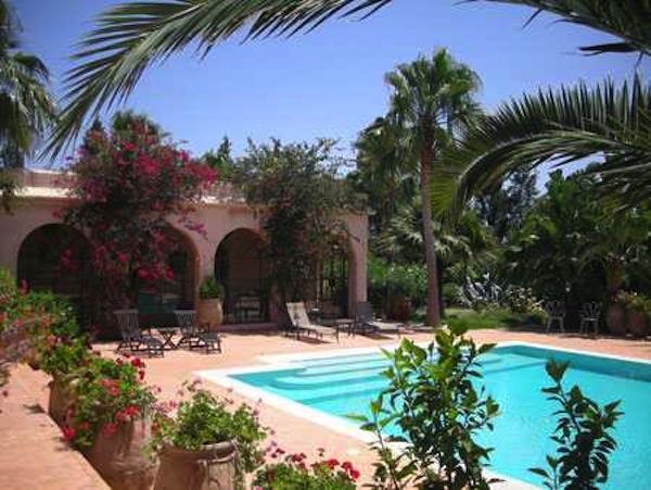 Villa contemporaine avec un beau jardin
