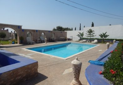 Villa avec piscine et un beau jardin